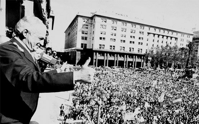 Leopoldo Galtieri, who had just ordered the occupation of the Falkland Islands, greets a jubilant Argentine crowd in the Plaza de Mayo.